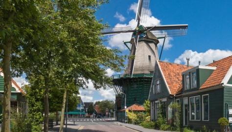 Walk to the Zaanse Schans